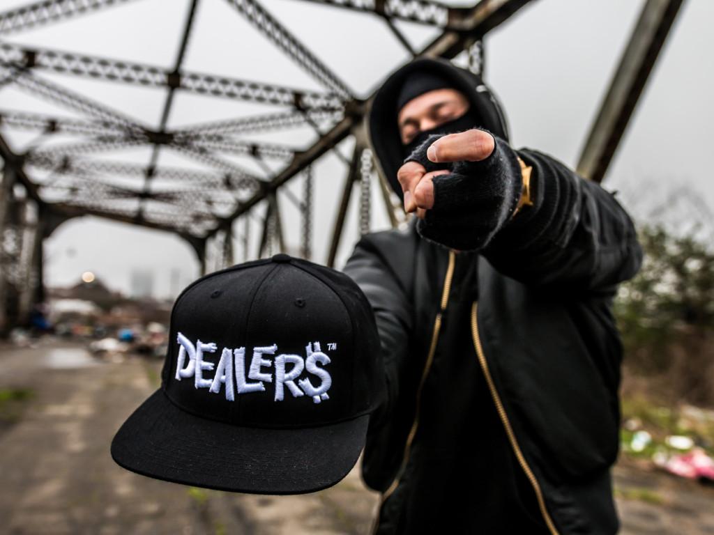 Dealers hat 2